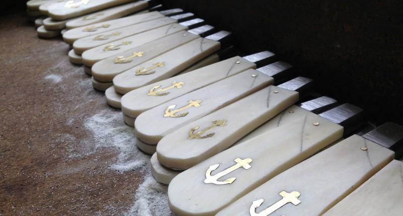 media/image/Anker-Messer-Griffe-Manufaktur.jpg